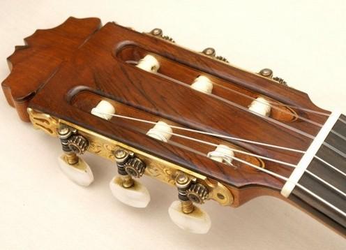 Manuel Reyes 1975 - Guitar 1 - Photo 5