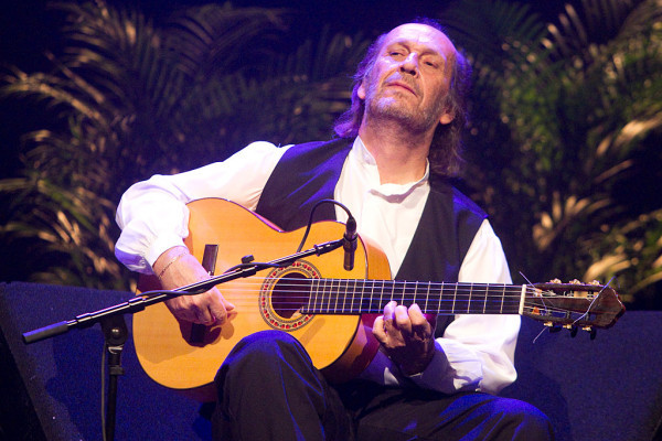 Lester Devoe 2010 - Paco de Lucia - Guitar 2 - Photo 1