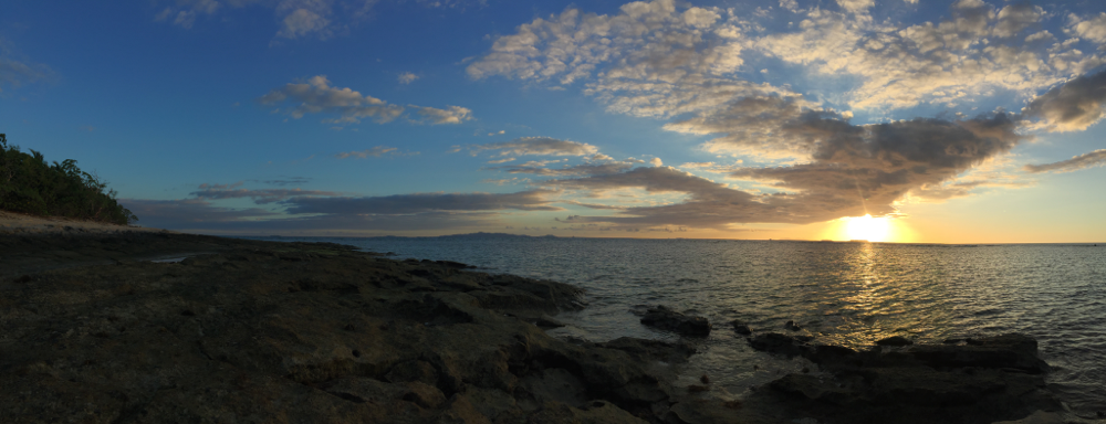 Romantischer Sonnenuntergang auf Bounty.
