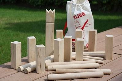Kubb (jeu de quilles en équipe)