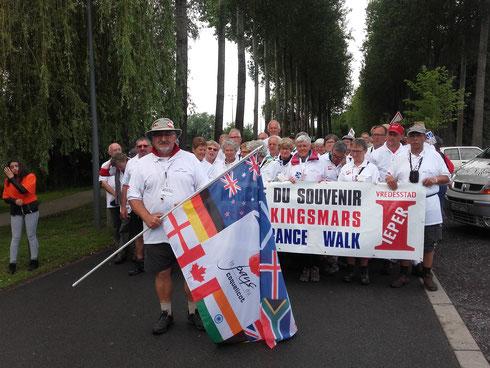 30 juin- Albert- défilé du souvenir avec plus de 600 personnes