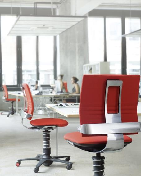 Bewegt sitzen am Büroarbeitsplatz mit dem 3Dee Bürostuhl