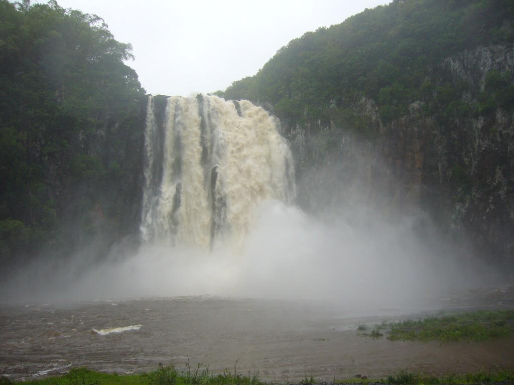 cascade de Ste Suzanne