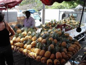 ananas Victoria - marché de St Paul