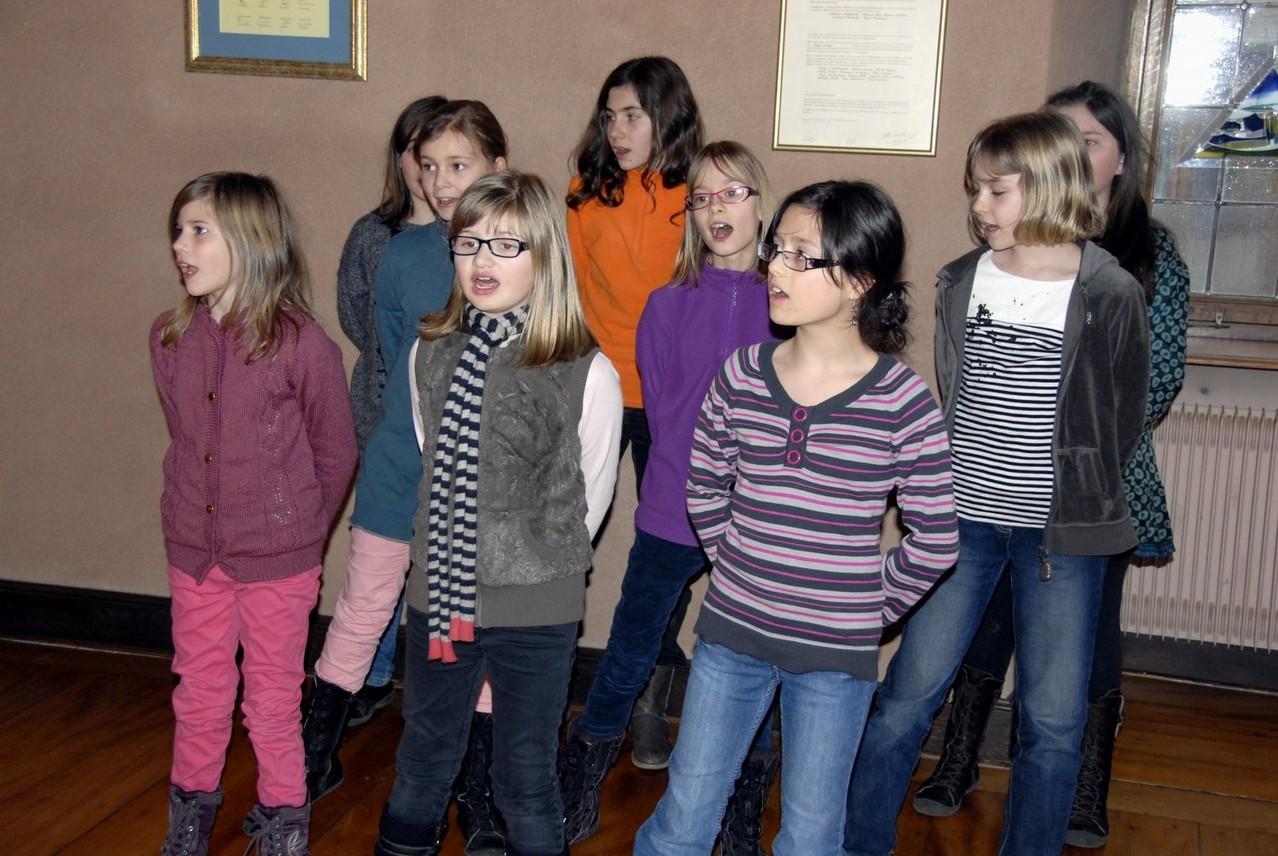 """""""Trois petites notes de musique"""" par la chorale de l'Ecole Schlumberger de Guebwiller"""