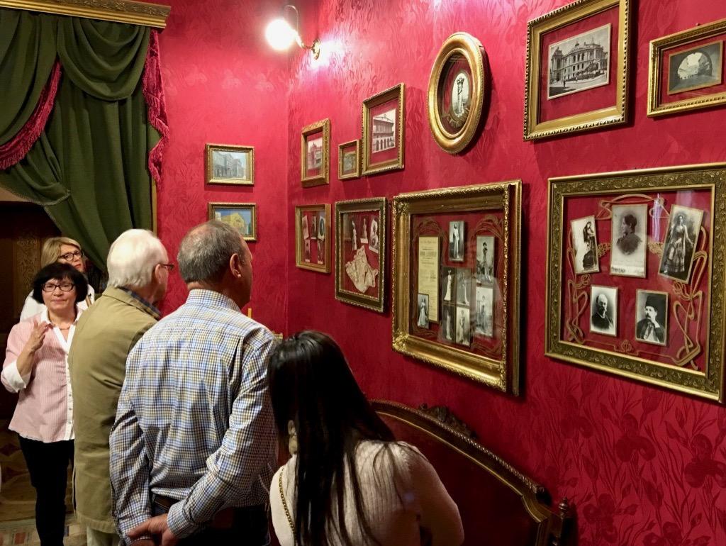 Besuch der Wohnung der weltberühmten Opernsängerin Solomiya Krushelytska