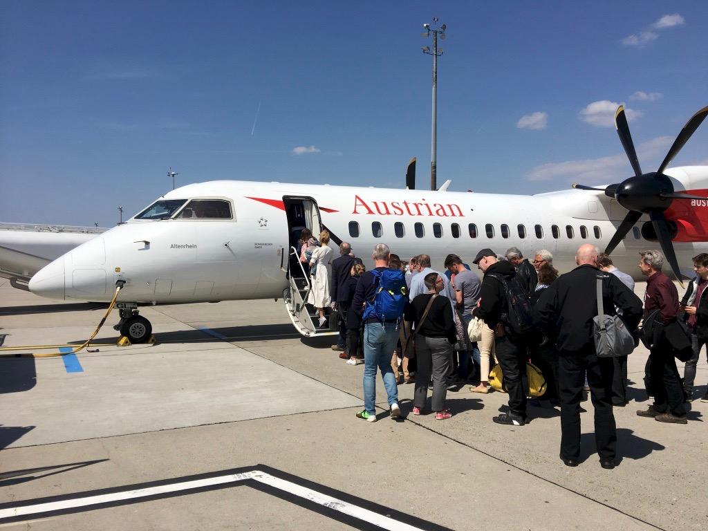Abflug mit AUA von Zürich nach Lemberg mit Zwischenhalt in Wien