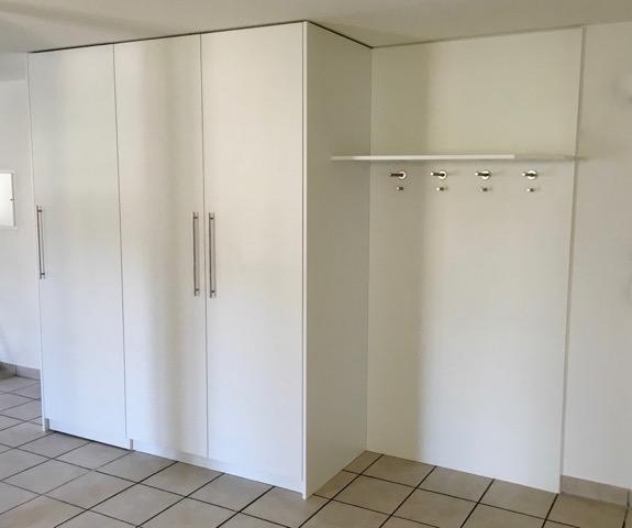 Waschmaschienen/Garderobenschrank