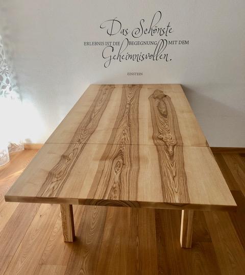 Esche Braunkern Tisch