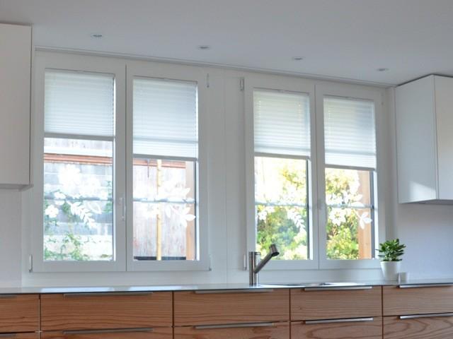 Holzfenster weiss mit passenden Plisse