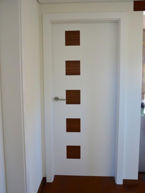 Zimmertüren mit Holzeinlage