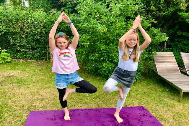 Kinder Yoga Tween Spaß Bewegung Entspannung