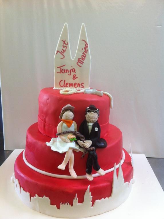 Hochzeitstorte mit Skyline