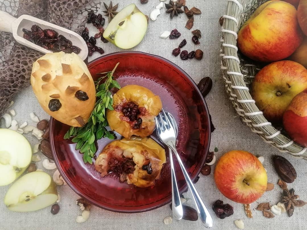 Weniger ist mehr - Igelbrötchen & Bratapfel zum Martinsfest