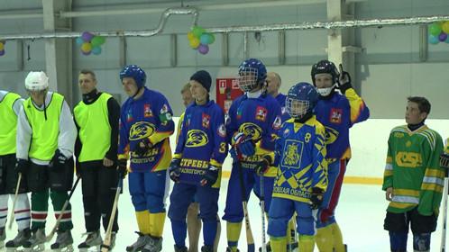 В первом туре Красногорцы встретились с Авангардом из Буд Харьковской области и одержали уверенную победу 6:2.