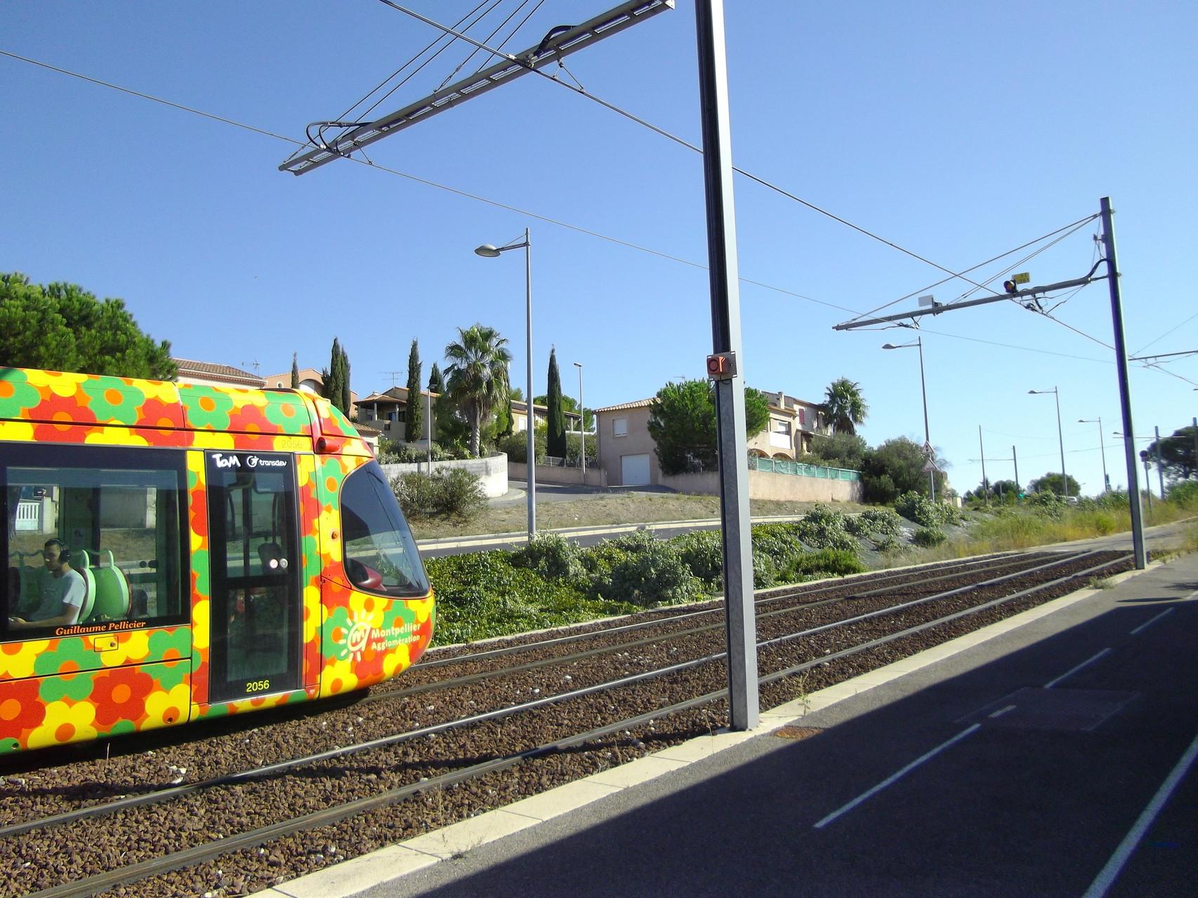 Le tramway passe juste devant le lycée