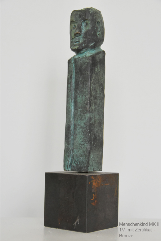 Menschenskind Bronze II auf Metallsockel