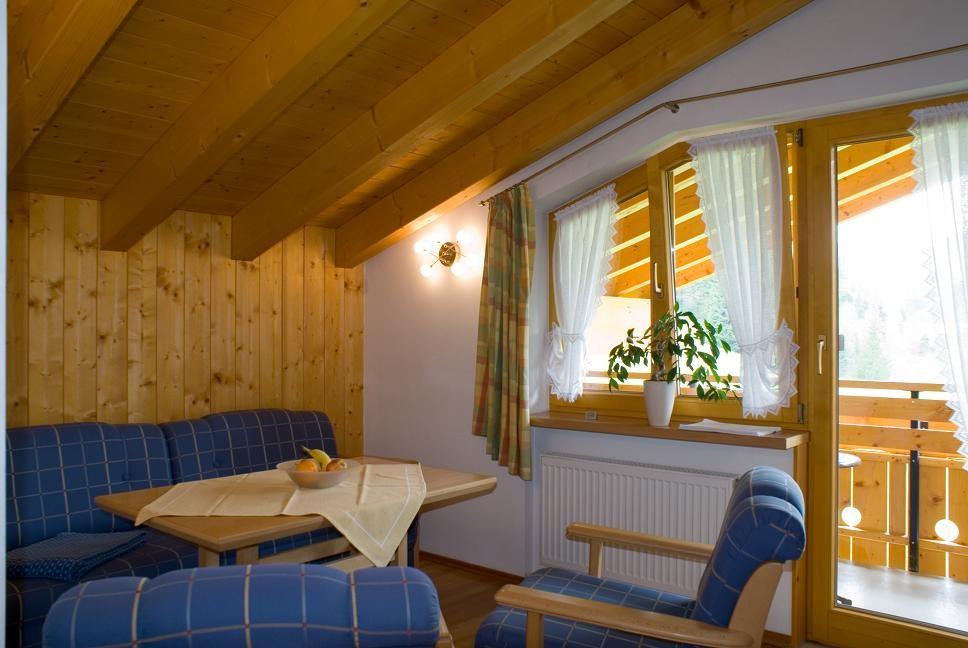 Wohnbereich - Ferienwohnung 5 - Hilbrand Appartements