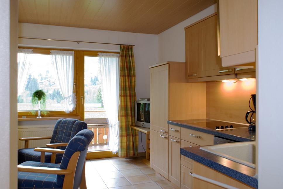 Küche mit Sitzecke - Ferienwohnung 1 - Hilbrand Appartements