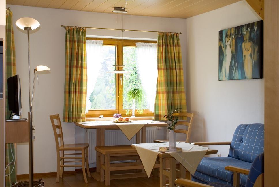 Esstisch Ferienwohnung 2 - Hilbrand Appartements
