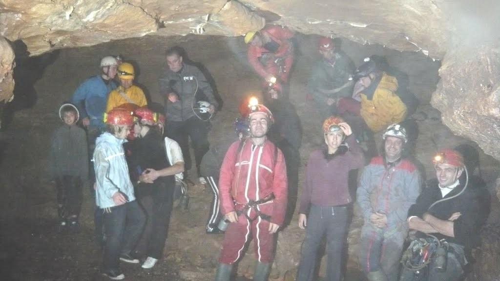 Photo de groupe quelques mètres sous terre