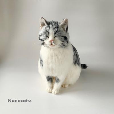 【Love&Puuuuuuus!】2019.10 W23cm×D38cm×35cm 鼻提灯猫。実はサバトラ模様があちこちハートになってます。