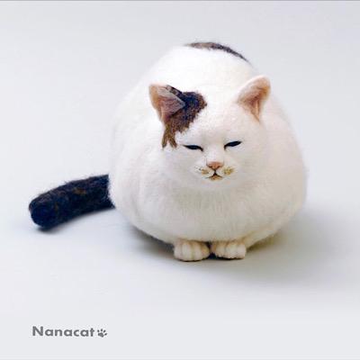 【もんちゃん1号】2016.2 W25cm×D40cm×H25cm 友人の写猫家内田園子さんの撮った写真に一目惚れして作りました。某所の地域猫のもんちゃんです。