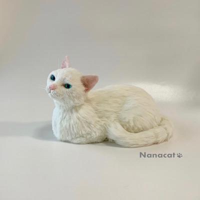 【白猫】2020.6 W22cm×D36cm×H21cm 香箱座りの白猫