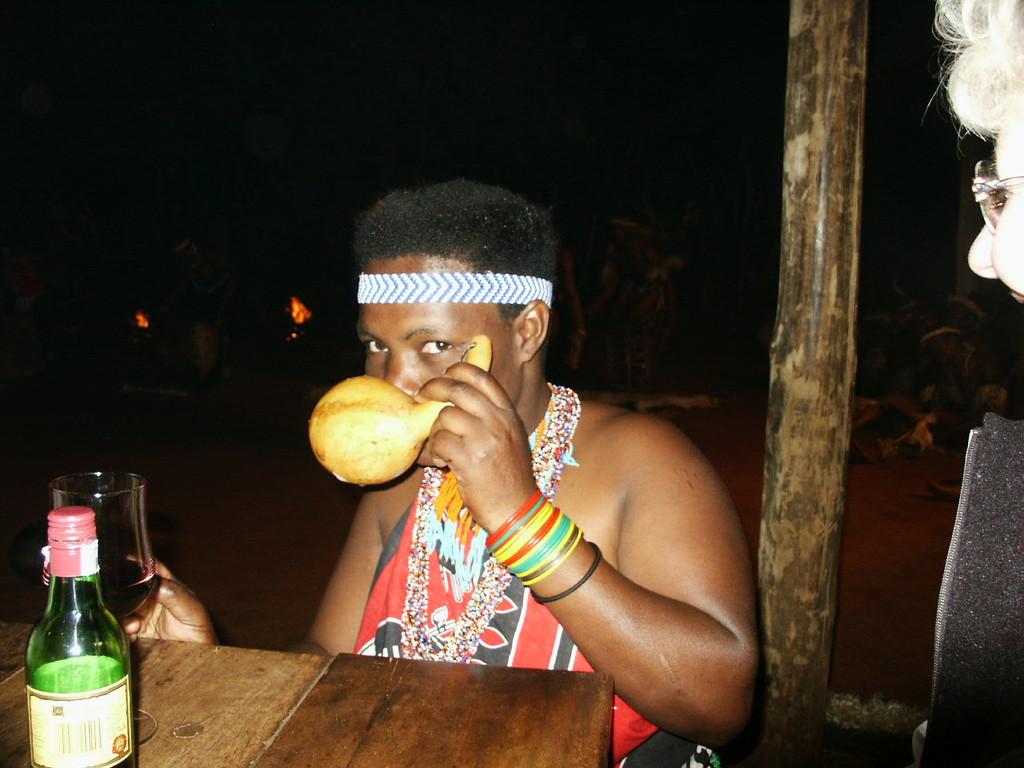 1. Tag - Abendveranstaltung im Zulu-Dorf