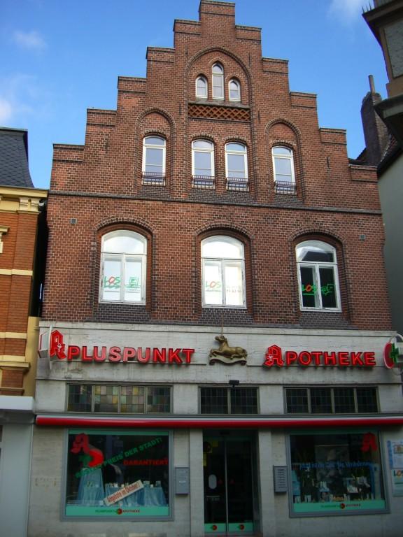 Westliche Lange Straße - früher Einhorn-Apotheke