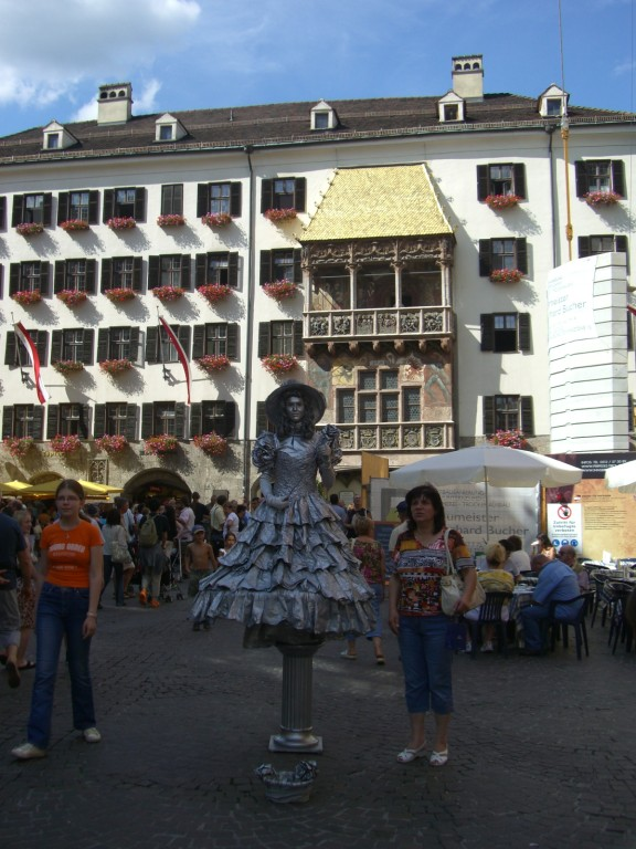 Pantomimin vor dem Goldenen Dachl