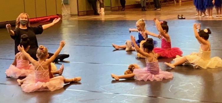 13. Jahreskonzert des Tanzstudio Non-Stop in der Hegelsberghalle, trotz der schweren Umstände