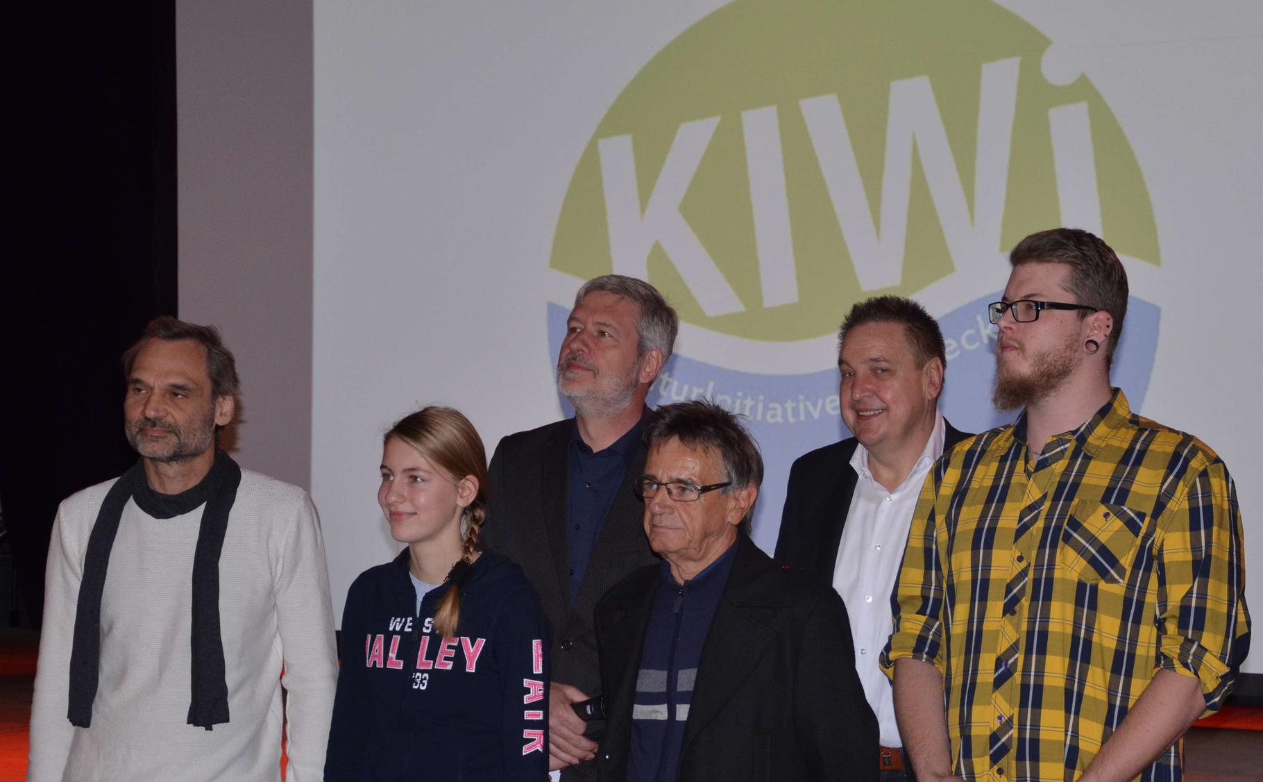Preisverleihung anl. des KIWi-Logo-Wettbewerbes von links: Hartmut Schaarschmidt, Katharina Fischer, Frank Christgen (1. Vorsitzender KIWi), Wilfried Scholl, BM Hans Christian Lehmann, Christian FESO Mast
