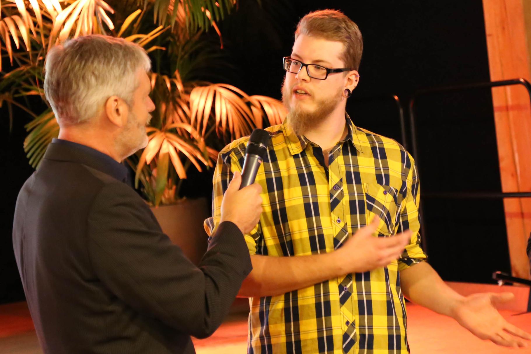Preisverleihung anl. des KIWi-Logo-Wettbewerbe von links: Frank Christgen (1. Vorsitzender KIWi), Christian FESO Mast, Foto: Thomas Weber