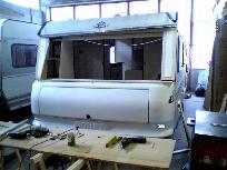 Reparatur Wohnwagenfront ersetzen