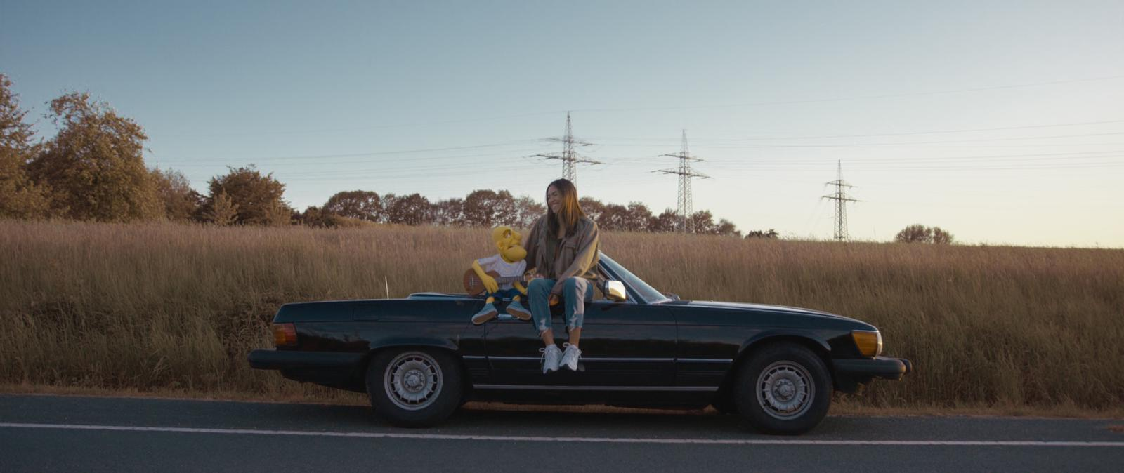 Milow is puppet in music video for