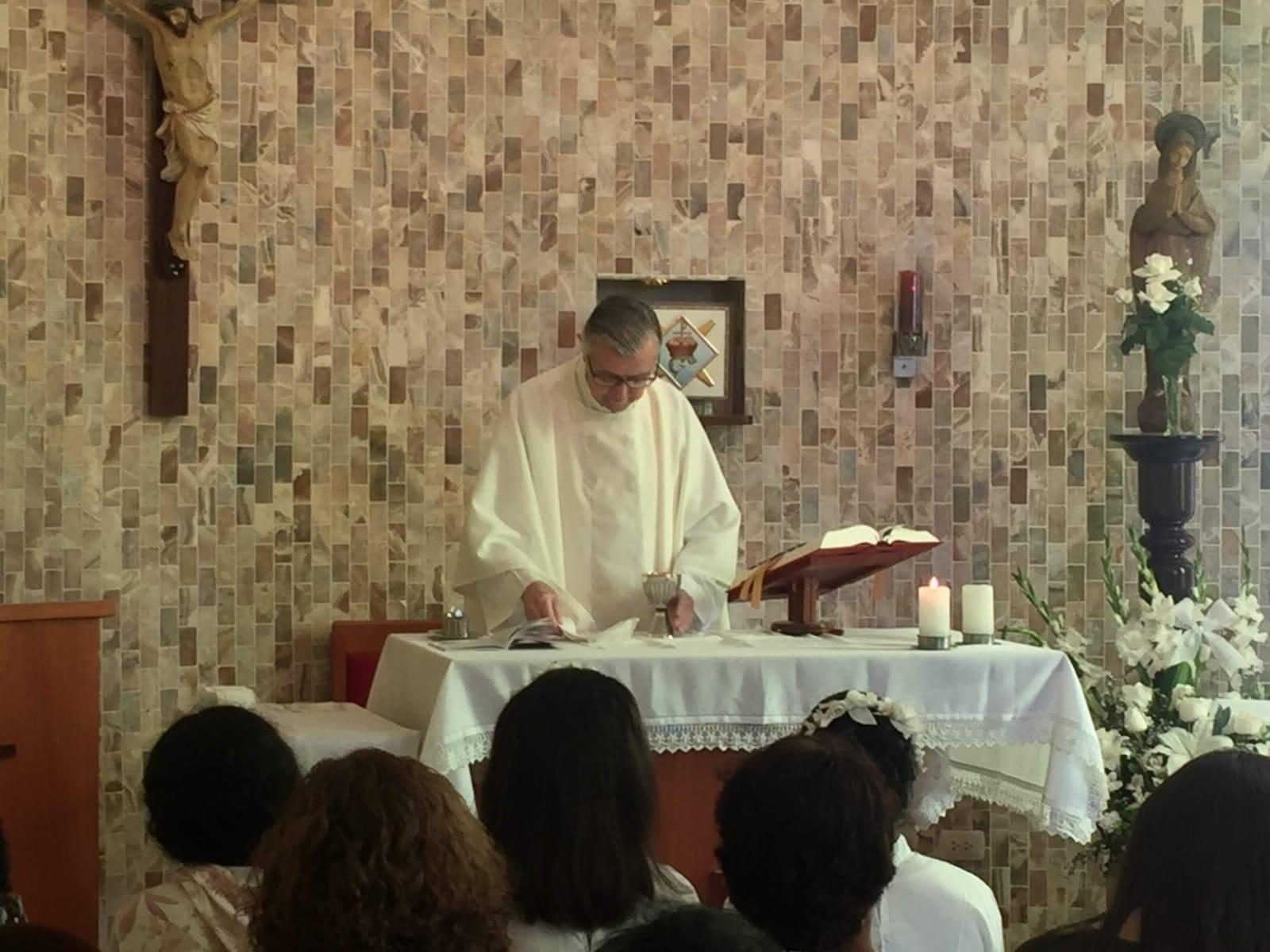 Celebramos la Eucaristía en nuestra casa