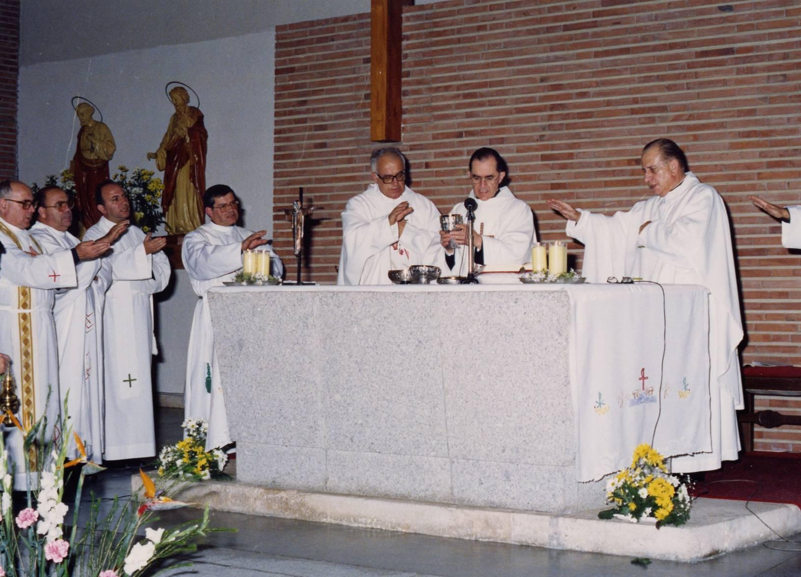 Funeral del Siervo de Dios en la parroquia de San Pedro y San Pablo en Coslada, Madrid. 6 DE NOVIEMBRE DE 1991