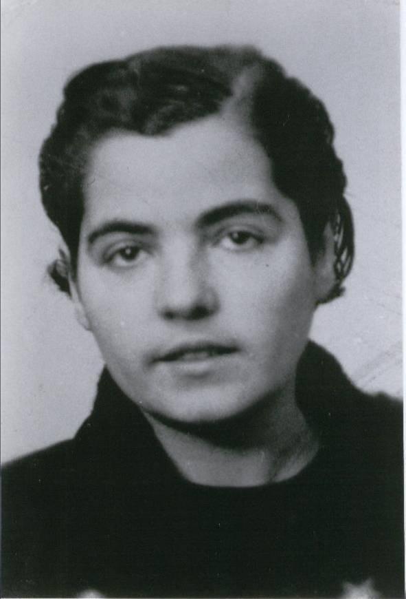 Foto de Ascensión cuando llevaba el luto por sus hermanos