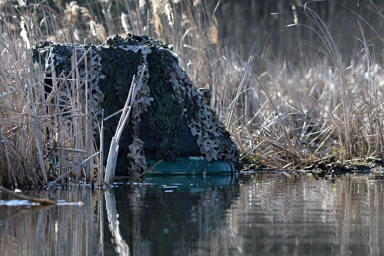 Im schwimmenden Tarnversteck (Foto: Uwe Wilhelm)