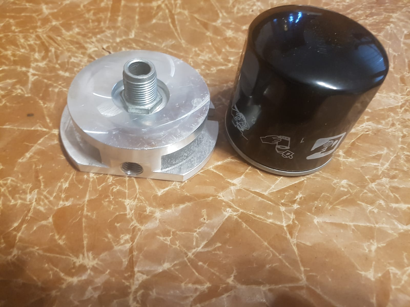 Ölfilteradapter Adapterplatte GAZ 21 Wolga.  Oil Filter Adaptor Plate GAS M21 Volga. Переходник под современный жигулевский масляный фильтр ГАЗ М21 Волга.