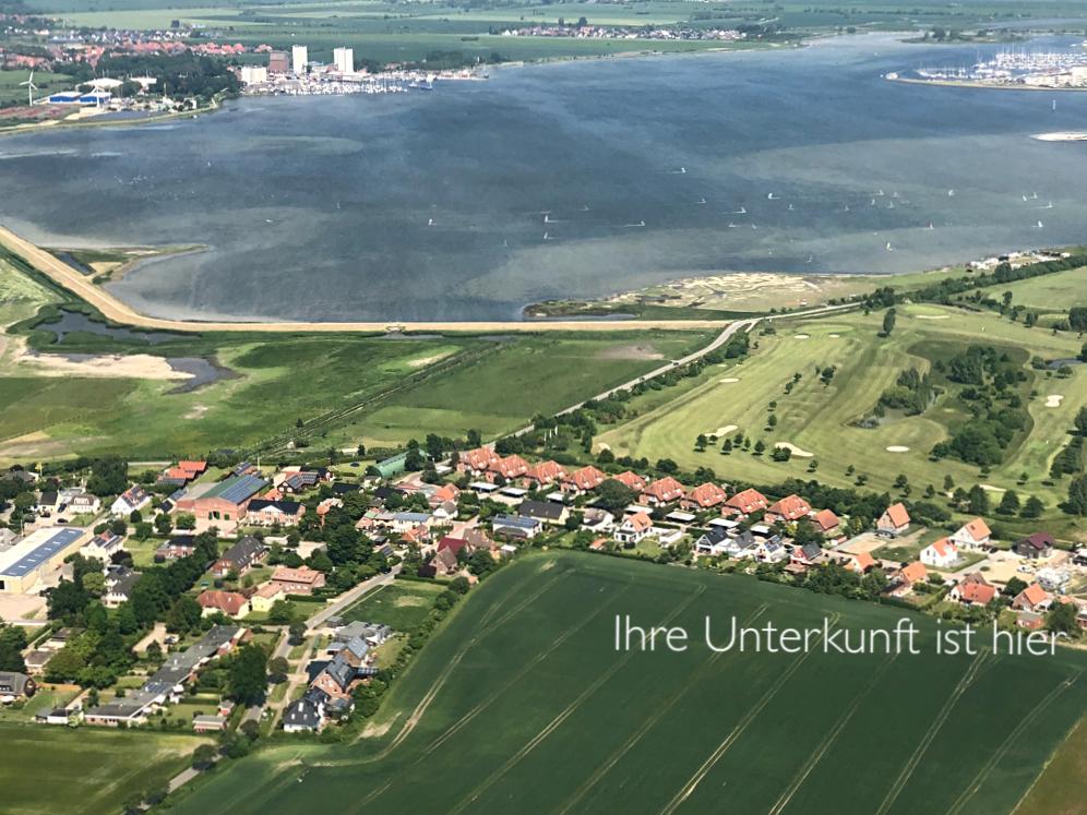 Luftaufnahme Wulfen, rechts das Ferienhaus      (Foto: privat ©️ C. Stölzl)