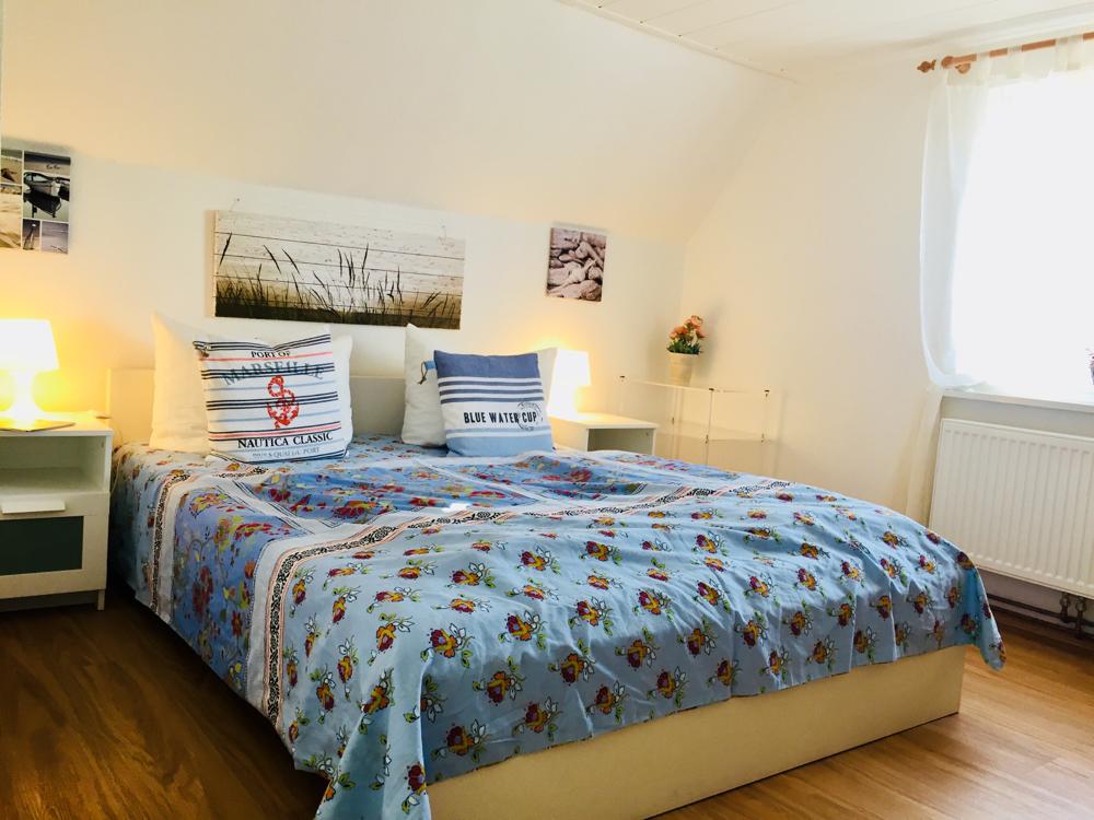 Freundliches Doppelbett Schlafzimmer