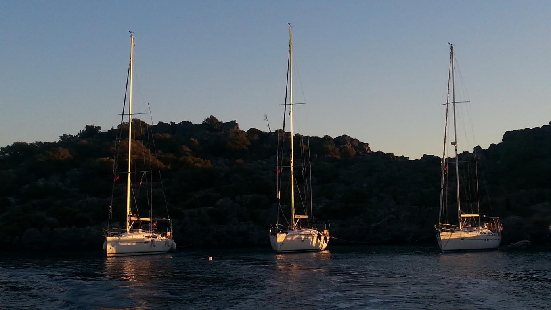 Unser Boot liegt sicher in der Mitte