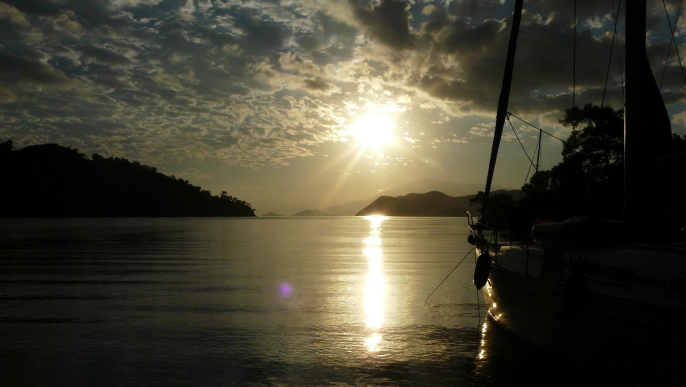 Sonnenaufgang in der Tomb Bay