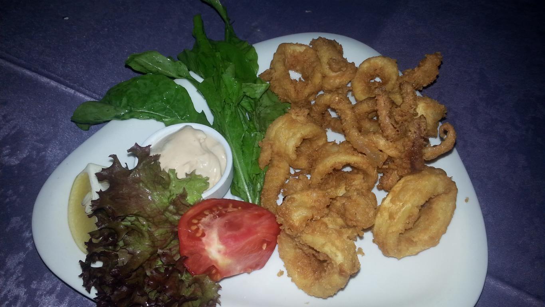 Tintenfischringe frittiert