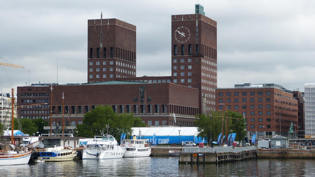 Oslos markantes Rathaus