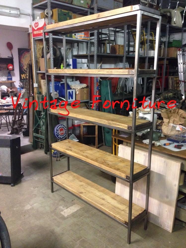 Possibilit di creare o customizzare la tua cucina in for Scaffali in legno grezzo
