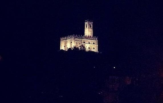 Poppi, Castello, Toscana, Italia. Itinerari di vino. Blog Etesiaca