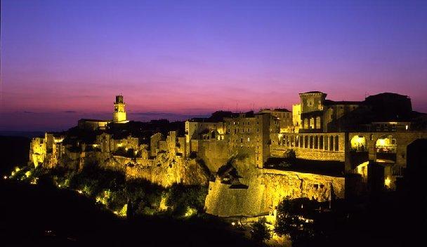 Pitigliano, Maremma, Toscana, Italia. Itinerari di vino. Blog Etesiaca
